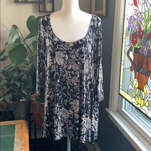 Rose & Olive floral tunic top